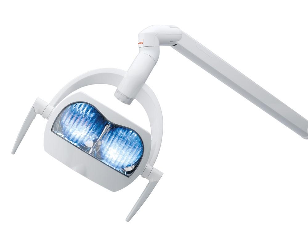 svetilnik-stomatologicheskoj-ustanovki-anthos-a7-plus